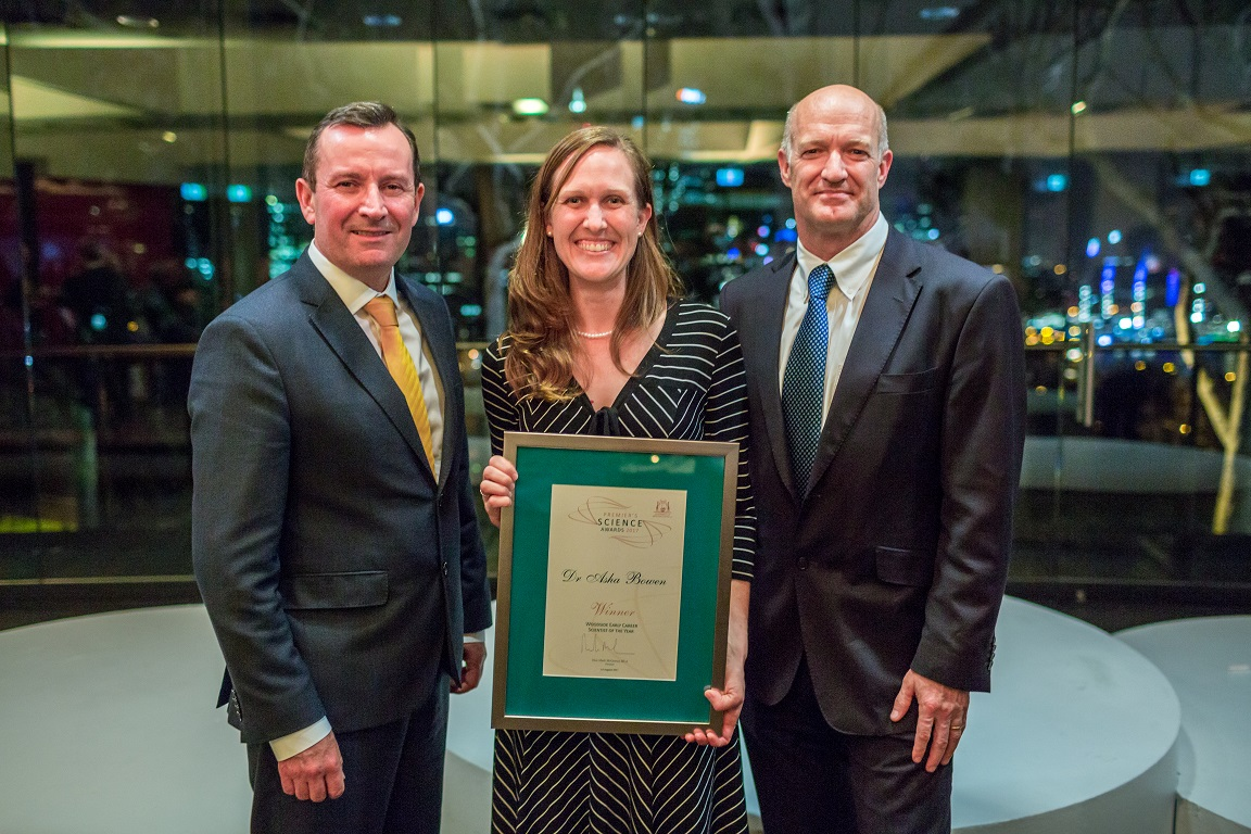 The 2017 Woodside Early Career Scientist of the Year, Dr Asha Bowen, with the Premier of WA and Mr Sean Salter of Woodside. Photo by Jason Thomas